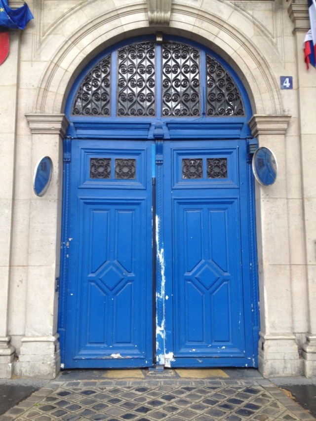 Brightly Painted Doorway In Paris, France | The Polka-dot Maven